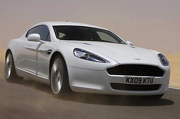 L'Aston Martin Rapide s'expose enfin (mais timidement)!