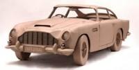 Une Aston Martin DB5 en carton !