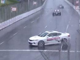 (Vidéo) Un pacecar se fait prendre un tour en IndyCar