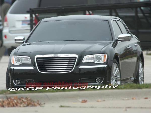 Spyshots : la future Chrysler 300C totalement nue