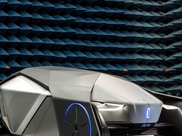 Shiwa: la voiture sans volant ni fenêtre
