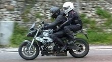 Actualité moto - BMW La S 1000RR avec un guidon droit roule