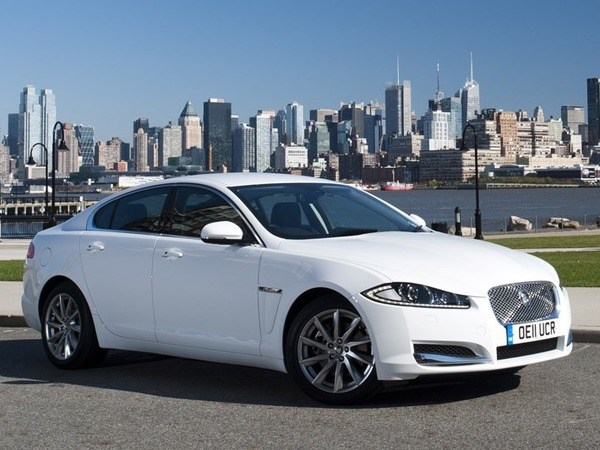 4 5 l 100 km pour la nouvelle jaguar xf 2 2 diesel. Black Bedroom Furniture Sets. Home Design Ideas