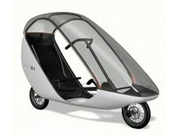 Découvrez le Sinclair X-1, le vélo couché à assistance électrique qui vous protège des intempéries