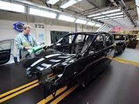 Economie: l'automobile plombe la production industrielle nationale