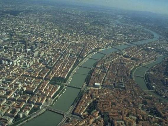 La ville de lyon actuellement en alerte aux particules fines for Piscine concept lyon