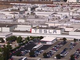 Tesla ferme son usine ... pour la moderniser