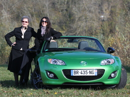 Video-nos-droles-de-dames-testent-la-Mazda-MX5-Black-Edition-74225.jpg