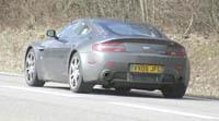 Aston Martin V12 Vantage RS: 550 ch en série...
