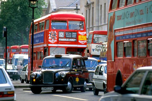 londres d s octobre 2008 les voitures trop polluantes devront payer une taxe de 25 livres par