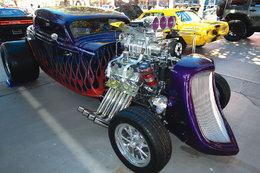 Ford 1933 : 1500 chevaux pour martyriser les pneus arrières