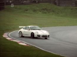 Fifth Gear : Tiff Needell pousse la Porsche 911 GT3 RS 4,0l jusqu'à la limite