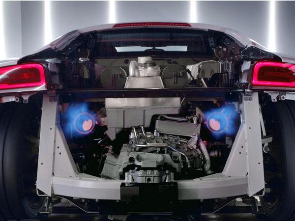 """Audi révolutionne le film de """"dyno"""" avec la R8 V10 Plus"""