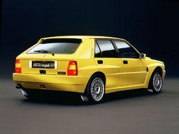 La p'tite sportive du lundi: Lancia Delta HF Integrale.
