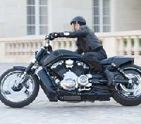 Harley-Davidon: Pendant que le Diavel roule le V-Rod fait son cinéma