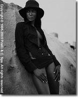 Naomi Campbell en miss Décembre pour Pirelli
