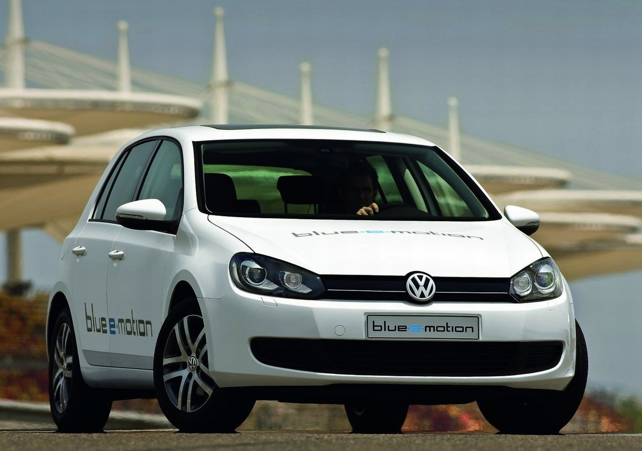 la volkswagen golf lectrique sera lanc e en 2014. Black Bedroom Furniture Sets. Home Design Ideas