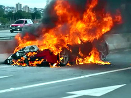 [Vidéo] Ferrari 458 Italia : après le rappel, elle brûle toujours