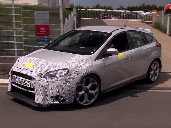 Surprise en vidéo : la future Ford Focus RS grogne sur le Ring