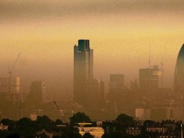 Le maire de Londres souhaite limiter la pollution de l'air... grâce à de l'adhésif