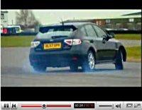 Vidéo Fifth Gear : Tiff tripote la Subaru Impreza STi