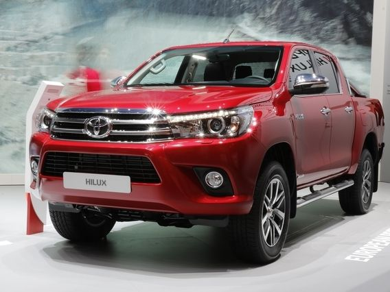 toyota annonce les tarifs du nouveau hilux. Black Bedroom Furniture Sets. Home Design Ideas