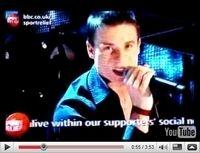 Vidéo du jour : James Toseland pousse la chansonnette
