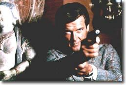 Roger Moore, aussi bon que Bond !