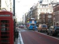 Grande-Bretagne : malgré les taxes, le carburant cher et la surveillance, les habitants se passionnent toujours pour leur auto
