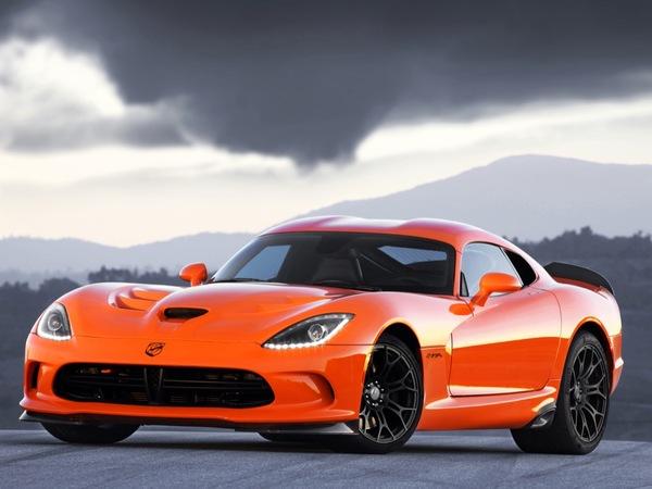 SRT Viper TA : elle en veut à la Chevrolet Corvette ZR1