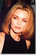 Michelle Pfeiffer change de  voiture sur un simple coup de  fil