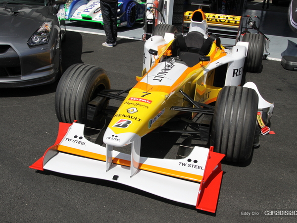 Photos du jour : Renault F1 Biplace (Prestige  Racing)