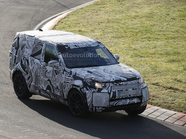 Scoop : le Land Rover Discovery s'attaque à l'enfer vert