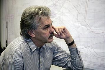 Gordon Murray travaille à une descendante de sa McLaren F1