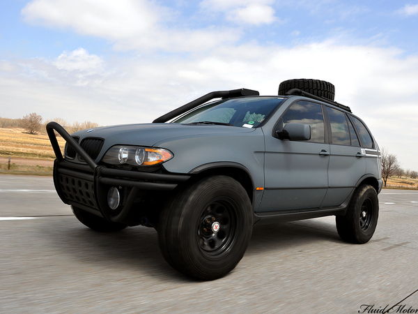 Project X, un BMW X5 façon Mad Max qui fait des flammes