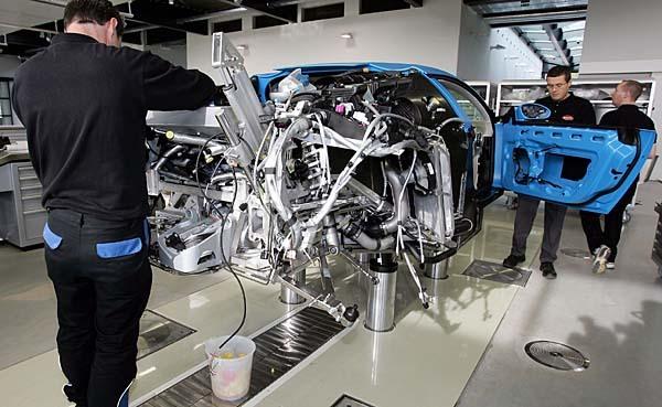 bugatti veyron la production s 39 acc l re encore. Black Bedroom Furniture Sets. Home Design Ideas