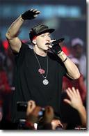 Défilé de limousines et de 4x4 au mariage d'Eminem