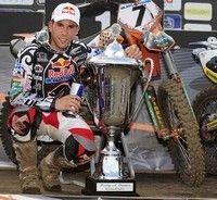 Pirelli monte sur le podium aux Pays Bas lors des championnats du monde de motocross.