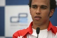 F1 : Jerez, Lewis Hamilton en tête à mi-journée