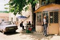 Roumanie : le Président demande la suppression de la taxe environnementale sur les voitures d'occasion importées