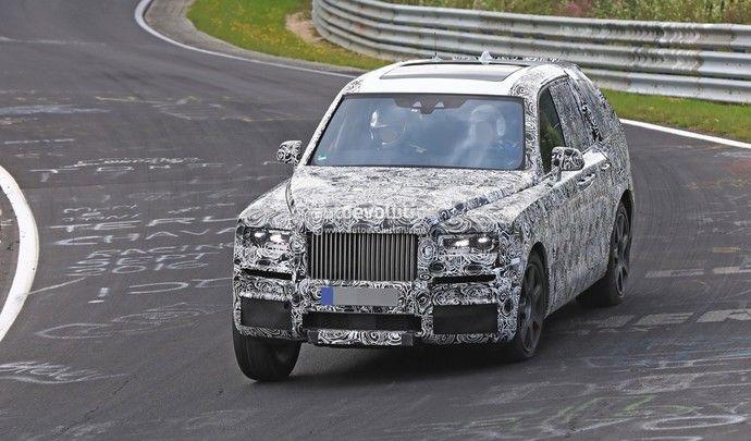 Le SUV Rolls-Royce à l'attaque sur le Nürburgring