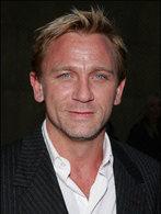 Daniel Craig ne sait pas conduire l'Aston Martin de James Bond