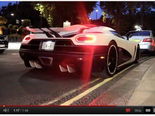 [vidéo] Gros son : 22 supercars démarrent devant la caméra