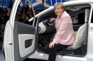 Pollution des véhicules : Angela Merkel continue de défendre l'industrie automobile allemande