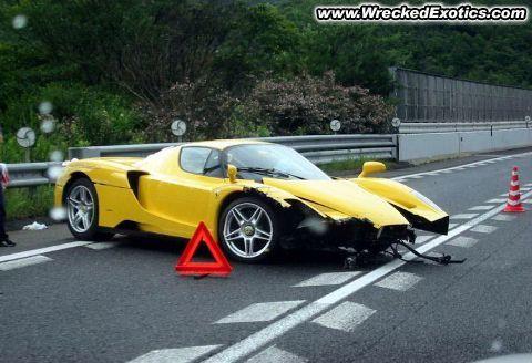 Encore une Ferrari Enzo en moins : la pluie japonaise a eu sa peau