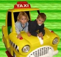 Grèce : les chauffeurs de taxi dressés à la courtoisie