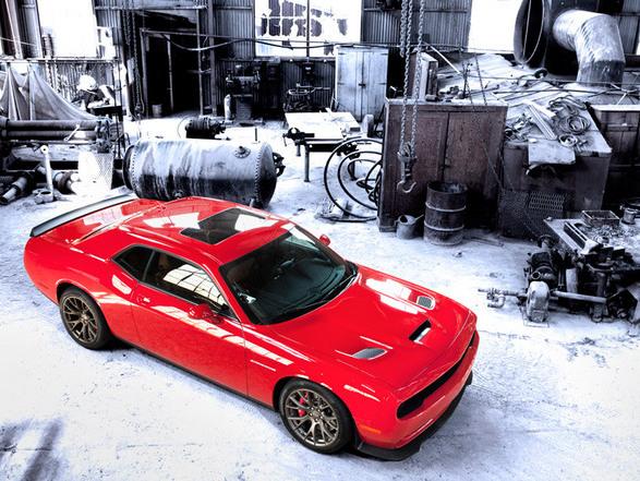 Nouvelle Dodge Challenger SRT Hellcat: les premiers essais vidéos