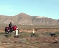 Ducati - Multistrada 1 200: Le trail où l'on met le genou par terre