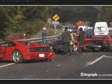 Très cher accident : 8 Ferrari, 3 Mercedes, une Lamborghini, une Skyline GT-R et une Prius impliquées!