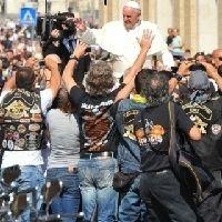 Actualité - Harley-Davidson: Le pape bénit les Hell's à Rome